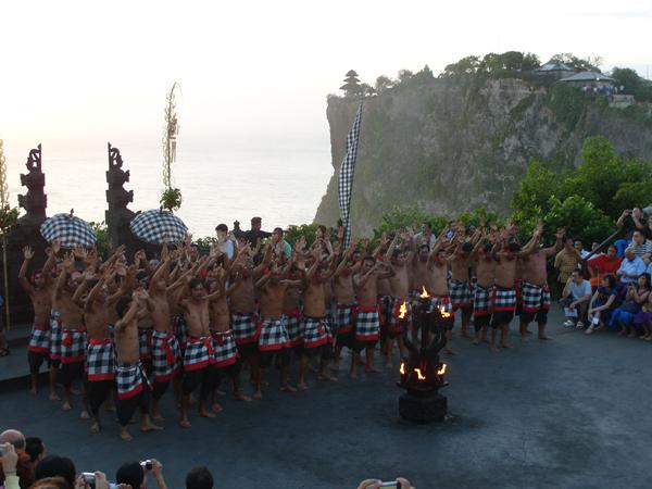 Бали. Танец Кечак